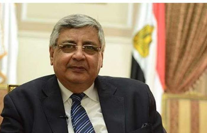 عوض تاج الدين : تطعيم جميع المصريين بلقاح كورونا