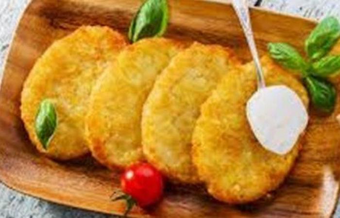 مغذية وصحية.. طريقة تحضير فطائر البطاطس بخطوات سهلة