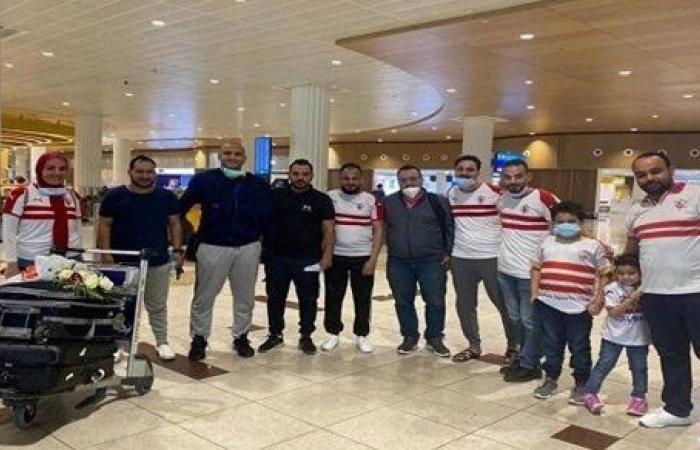 جماهير الزمالك تستقبل هتلر لاعب يد الزمالك في الإمارات