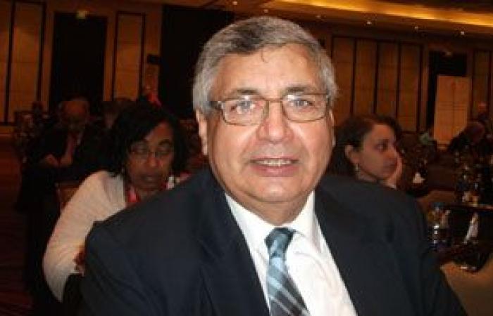 مستشار الرئيس للصحة: طرح اللقاح الروسى وجونسون المضادين لكورونا قريبا بمصر