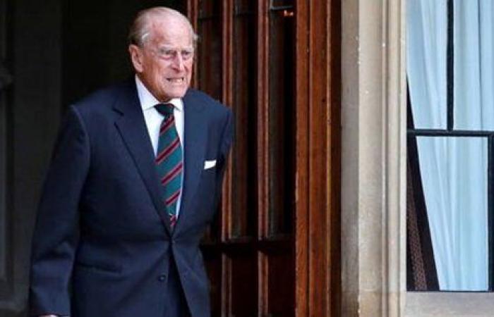 بريطانيا.. الأمير فيليب يعود إلى المستشفى بعد إجرائه جراحة بالقلب