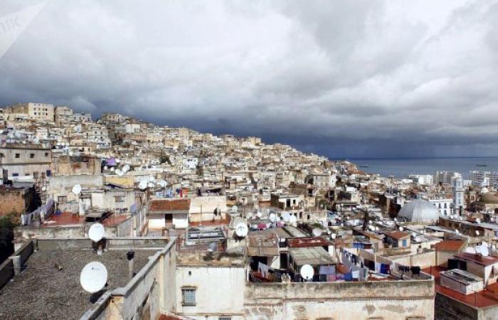 فيديوهات توثق الكارثة... فيضانات الشلف بالجزائر تسفر عن مقتل 6