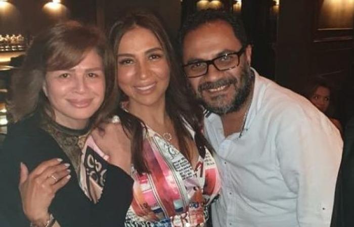 """إلهام شاهين تحتفل بتصوير حكاية """"حتة منى"""" من مسلسل """"حكايات امرأة أربعينية"""".. صور"""