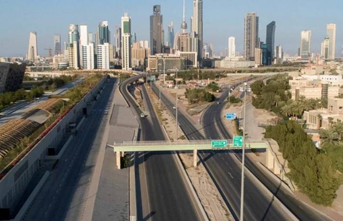 الكويت تبدأ حظرًا شاملًا الليلة لمواجهة تفشي فيروس كورونا