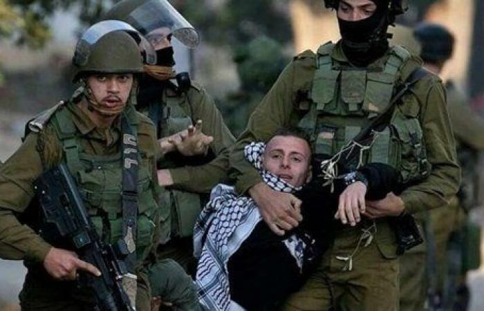 قوات الاحتلال الإسرائيلي تعتقل شابا من جنين