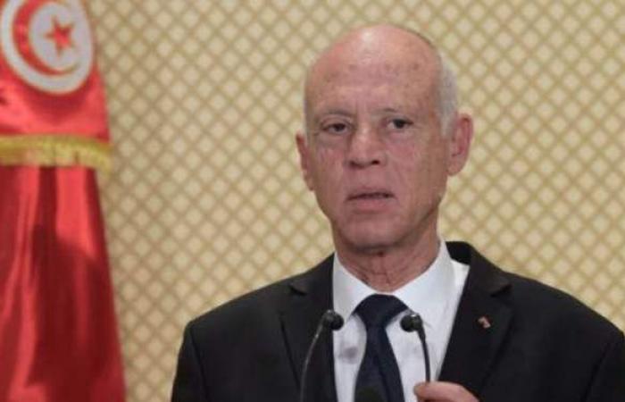 الرئيس الجزائري يبعث برسالة لنظيره التونسي