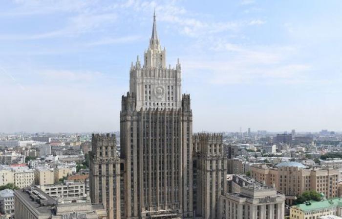 لافروف ووزير الخارجية الأرميني يبحثان القضايا الإنسانية في ناغورني قره باغ