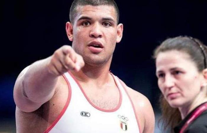 عبد اللطيف منيع لاعب منتخب المصارعة يتأهل لأولمبياد طوكيو