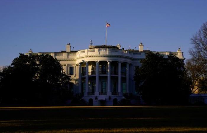 البيت الأبيض يكشف تفاصيل مكالمة بايدن مع نظيره الأوكراني