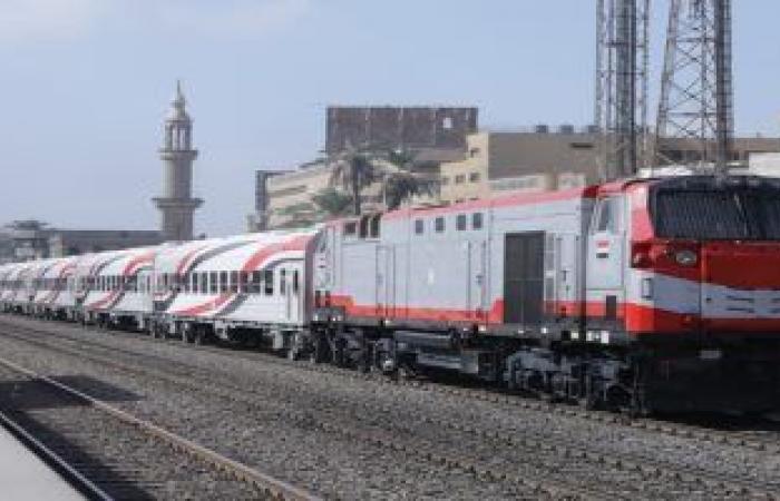 السكة الحديد تكشف سبب انفصال 6 عربات من قطارات النوم بأسيوط