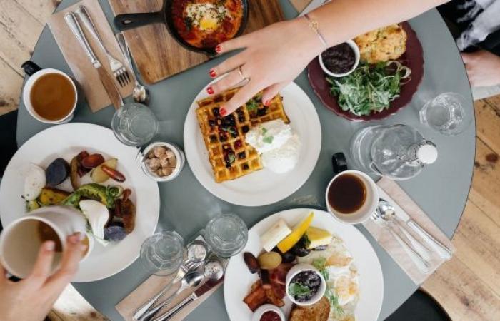 ما علاقة توقيت تناول وجبة الإفطار بخطر الإصابة بالسكري؟