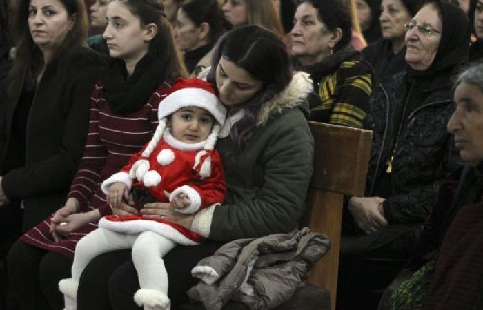 مسيحيو العراق يستقبلون أول عيد قيامة بعد زيارة البابا
