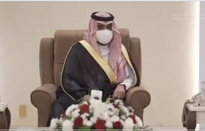 نائب أمير مكة يبحث مع أئمة ومؤذني المسجد الحرام خطة رمضان
