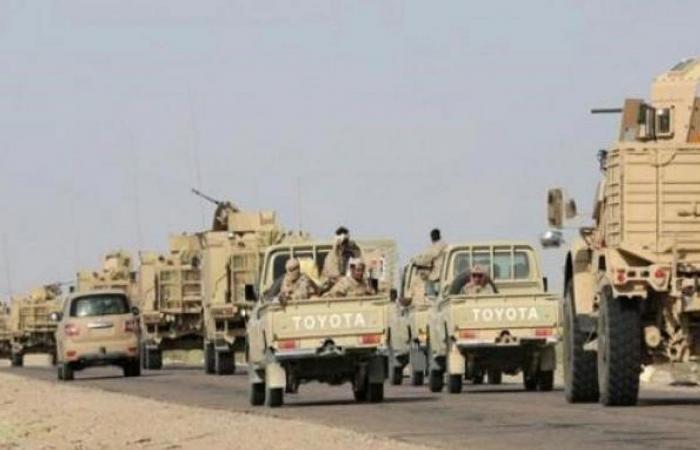مشايخ عدن وشخصيات عامة تتوافد على مأرب لدعم الجيش اليمني