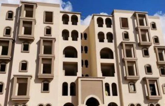 بدء التشطيبات بعمارات الإسكان الساحلى المميز بمدينة رشيد الجديدة