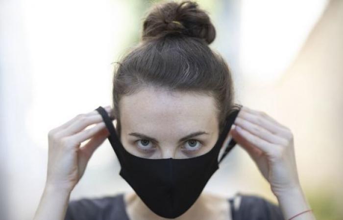 الربو والأكزيما وأمراض أخرى...علماء يتحدثون عن مخاطر كثيرة لارتداء الكمامات والقفازات