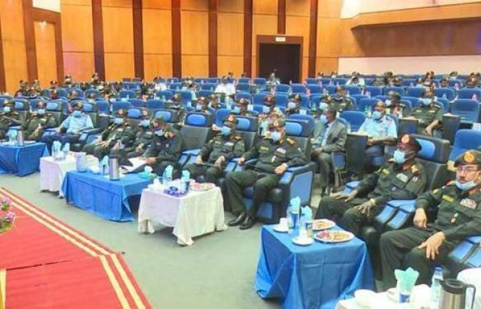 حديث الحرب.. البرهان يعقد اجتماعا هاما مع قادة الجيش السوداني| صور