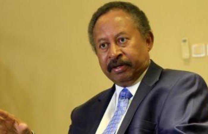 رئيس وزراء السودان يتعهد بحل مشكلة غرب دارفور فى أسرع فرصة