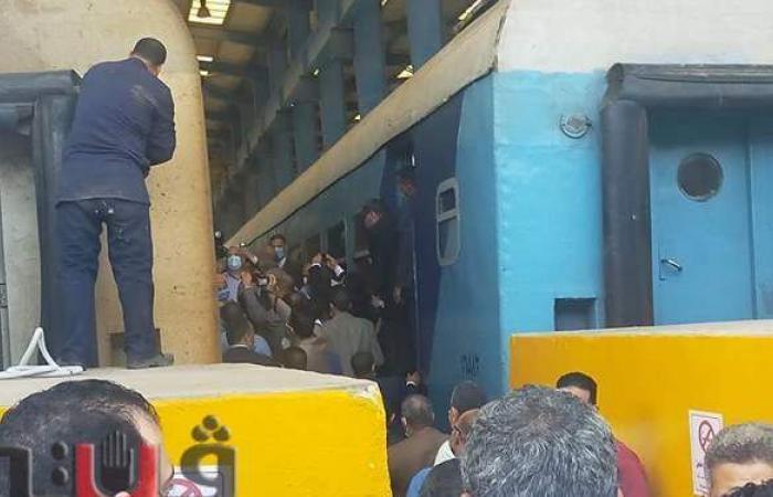 """وزير النقل للعاملين بمحطة الزقازيق: """"اللي هيشتغل هياخد حقه وزيادة"""""""