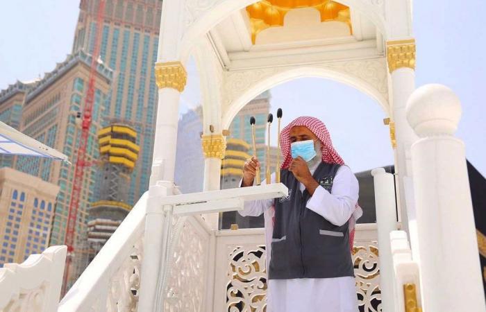«شؤون الحرمين» تنقل منبر الخطيب خلف المقام مع آخر جمعة قبل رمضان