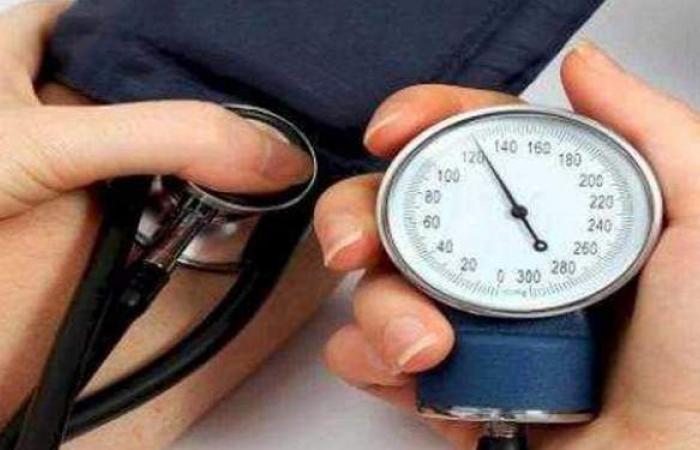 أعراض الضغط العالي.. و6 مضاعفات خطيرة عند إهمال علاجه
