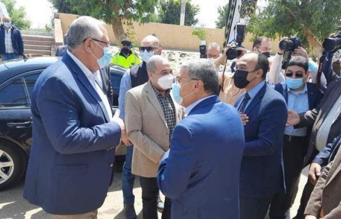 وزيرا الزراعة والإنتاج الحربي يتفقدان مجمع ألبان أبو قرقاص | صور