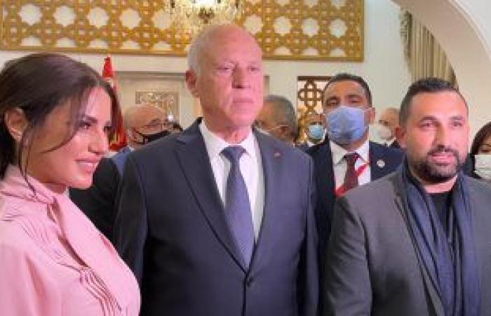 درة وزوجها ولطيفة وعلى معلول مع الرئيس قيس سعيد بالسفارة التونسية بالقاهرة.. صور