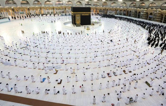 """في أولى ليالي رمضان.. """"الشؤون الإسلامية"""" ترصد أداء صلاة التراويح بمساجد وجوامع المملكة"""