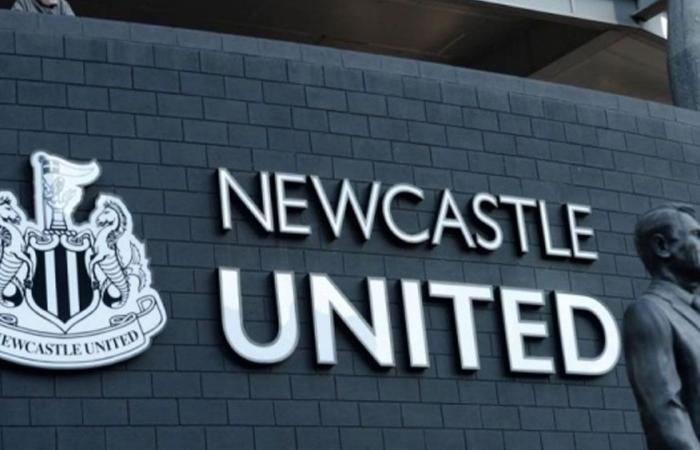 رئيس وزراء بريطانيا يتدخل في صفقة الاستحواذ على نادي نيوكاسل