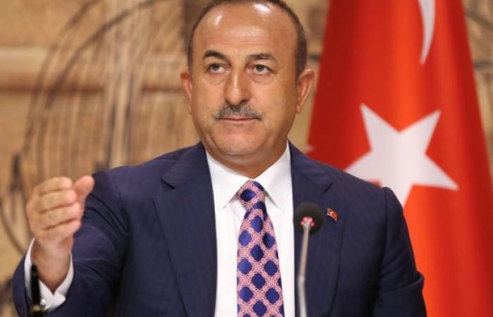 """وزير خارجية تركيا يعلق على شجاره """"الدبلوماسي"""" مع نظيره اليوناني"""