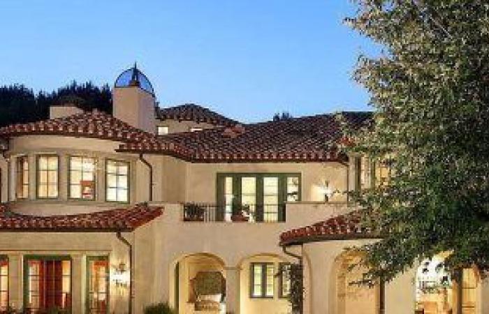 ذا روك يشترى قصر يقترب سعره من 30 مليون دولار ..مساحته تتخطى 3 أفدنة