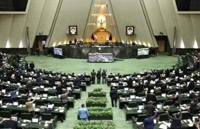 بعد إعلان طهران منطقة حمراء.. كورونا تضرب إيران وتعلق عمل البرلمان