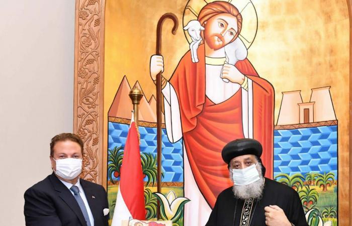 البابا تواصروس يستقبل سفيرى البحرين وكوبا للتعارف