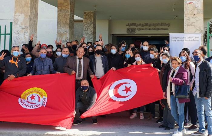 إضراب الصحفيين يطيح بمدير وكالة الأنباء التونسية التابع لـ«جماعة الإخوان»