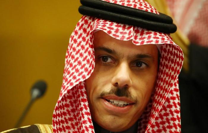 الأمير فيصل بن فرحان يستقبل وزيري الخارجية والدفاع لليونان