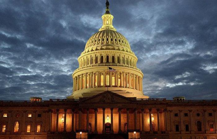 المحكمة الأمريكية العليا تعتزم فرض قيود على طلبات الإقامة الدائمة في البلاد