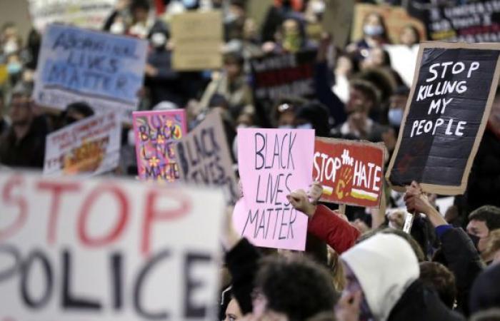 """مخاوف من احتجاجات """"فلويد"""" جديدة في أمريكا بعد انتشار فيديو يوثق مقتل مراهقة برصاص ضابط"""