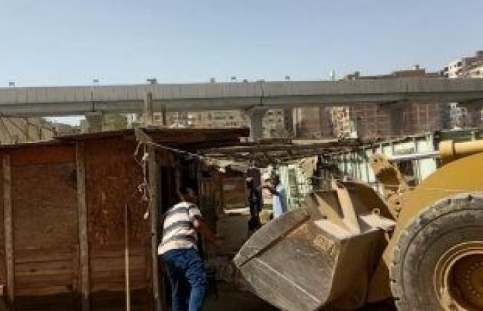 محافظة القاهرة تزيل تعديات على 21 ألف متر من أراضى الدولة بالنزهة