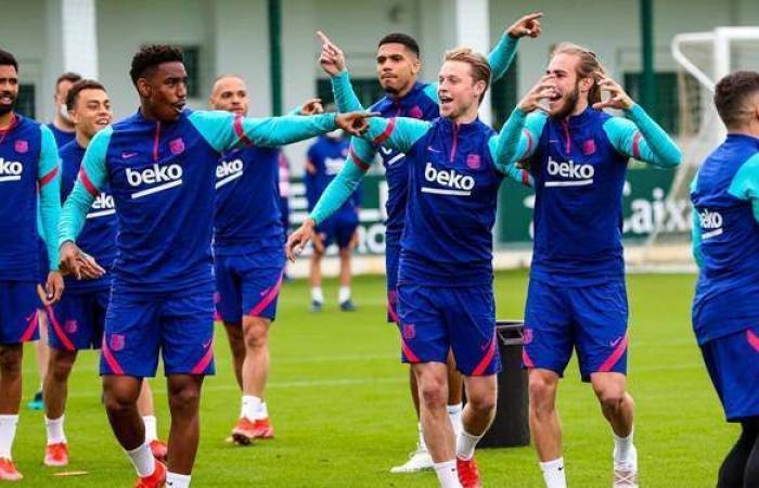برشلونة يعلن استمراره في دوري السوبر الأوروبي