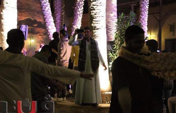 مريدو الطرق الصوفية يتمايلون على المدح في قصر الأمير طاز | فيديو