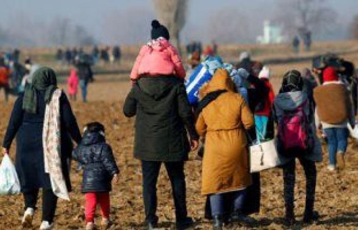 العراق يعلن إعادة 415 نازحًا من مخيم الجدعة إلى مناطقهم فى نينوى