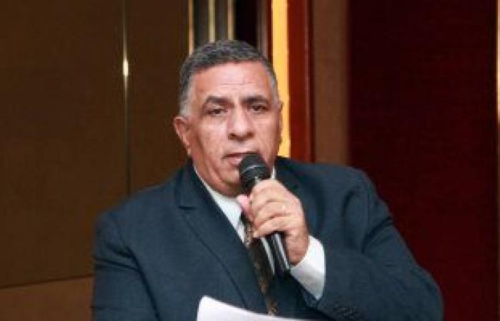 وصول جثمان محمد وهب الله أمين عام اتحاد نقابات عمال مصر مسجد عمرو بن العاص