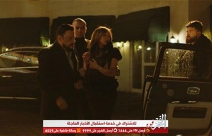 عمرو عبدالجليل يخدر زوجته بسبب فيديو!
