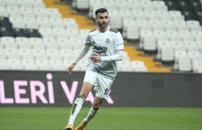 نجم عربي يتوج بجائزة أفضل لاعب في الدوري التركي بشهر أبريل
