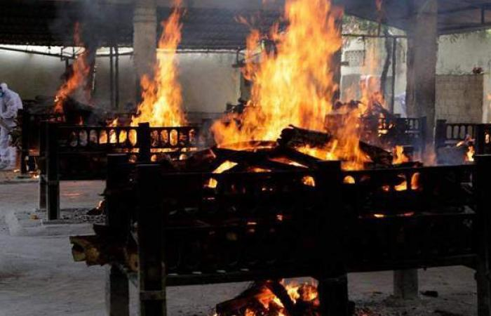 مصرع 15 شخصا وإنقاذ العشرات في حريق بمستشفى لمرضى كورونا بالهند