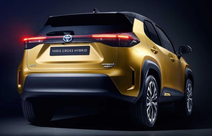 تعرف على مواصفات تويوتا يارس كروس SUV الجديدة