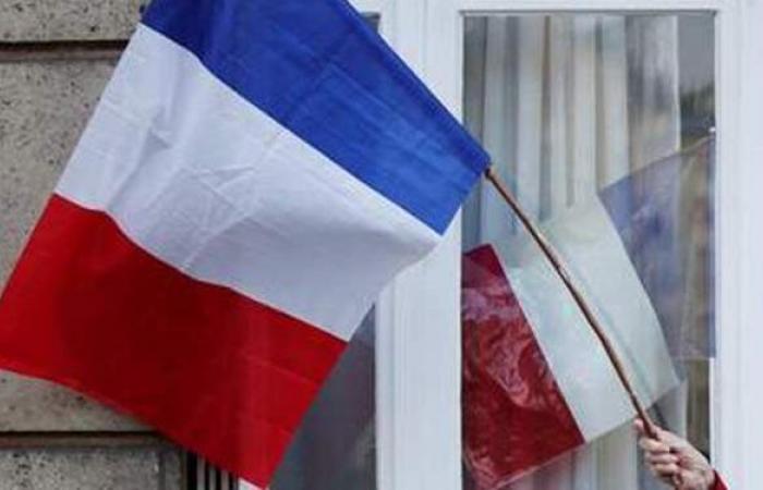 فرنسا تسجل تراجعا في وفيات كورونا وعدد المرضى في العناية المركزة