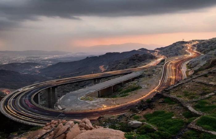 إمارة مكة تغلق طريق الهدا «مؤقتًا» بسبب الأمطار
