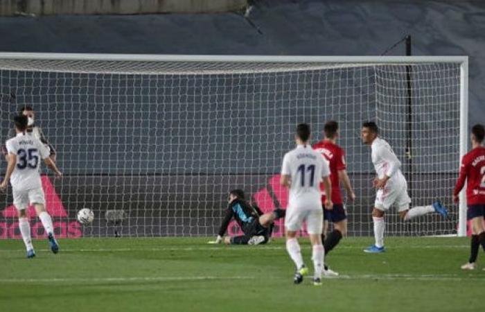 ريال مدريد يتخطي أوساسونا ويواصل صراعه على لقب الليجا