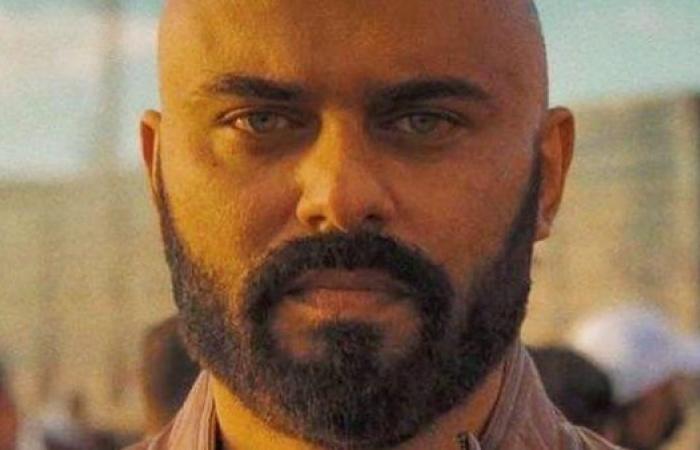 """أحمد صلاح حسني يتراجع عن الانتحار وينقذ مريضة سرطان في """"كوفيد-25"""""""